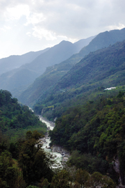 A view of the Teesta River on the drive from Gangtok to Lanchen