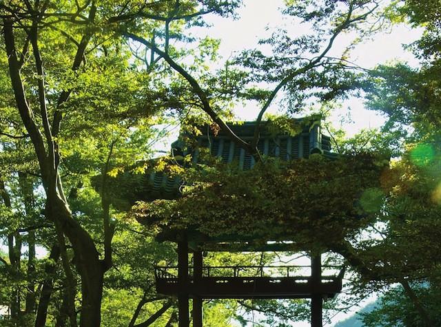 A bridge pavilion at Cheoneunsa temple.