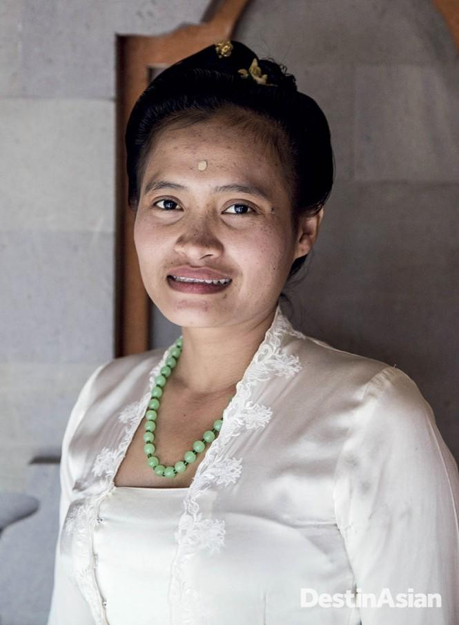 Ida Resi Alit, Bali's youngest high priestess.