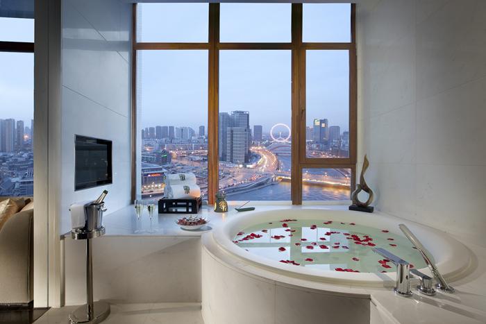 Bathroom in Deluxe Riverside Retreat room.