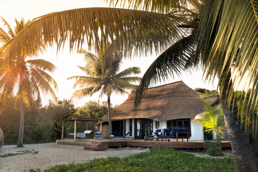 Ten casinhas and two cabanas comprise the lodge's accommodations.