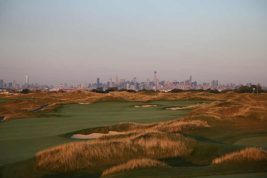 Designed by golf legend Jack Nicklaus, the course is 6.7 kilometers long.