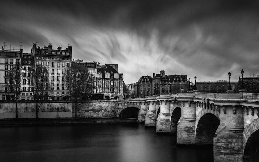 © Paris by Serge Ramelli, published by teNeues, www.teneues.com. PONT NEUF, ÎLE DE LA CITÉ, Photo © 2015 Serge Ramelli and YellowKorner. All rights reserved.