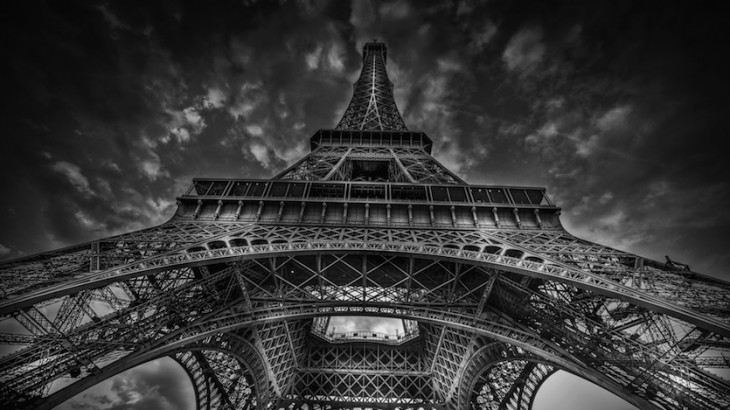 © Paris by Serge Ramelli, published by teNeues, www.teneues.com. EIFFEL TOWER, Photo © 2015 Serge Ramelli and YellowKorner. All rights reserved.