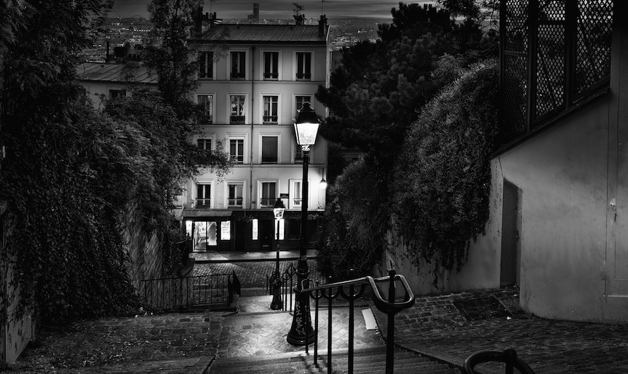 © Paris by Serge Ramelli, published by teNeues, www.teneues.com. STEPS OF MONTMARTRE, Photo © 2015 Serge Ramelli and YellowKorner. All rights reserved.