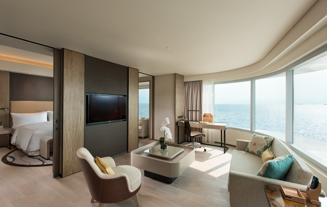 Diplomatic-Suite-Living-Room