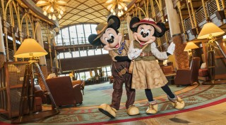 Disney Explorers Lodge_Character Greetings at lobby (2) (1)