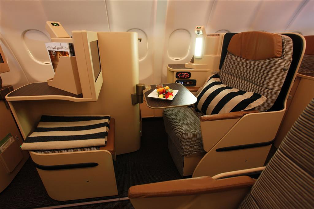 The daily flights to Perth will feature a 22-seat Pearl Business Class section.