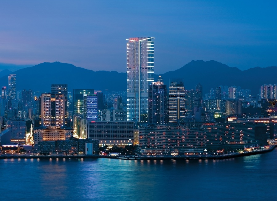 The Hyatt Regency Hong Kong, Tsim Sha Tsui now offers smartphones to all guests.