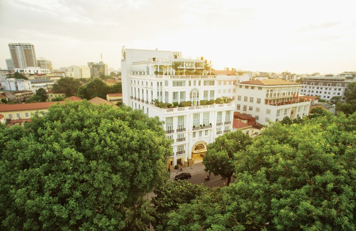 Set on the banks of Hoan Kiem Lake, the hotel is conveniently near Hanoi's historic Old Quarter.