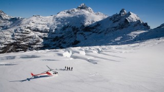 FIExperience_Heli-Skiing_Clarke-Glacier-Queenstown_Source---Glacier-Southern-Lakes-Helicopters