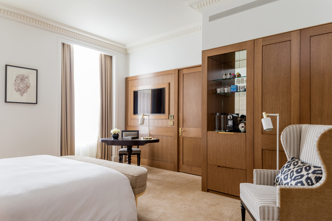 One of the guest rooms at Four Seasons Hotel London at Ten Trinity Square.
