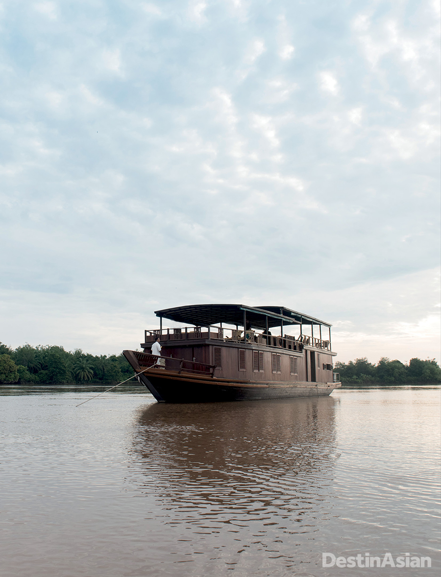 The 22-meter-long Rahai'i Pangun, a former water-bus refurbished into a cruise vessel.