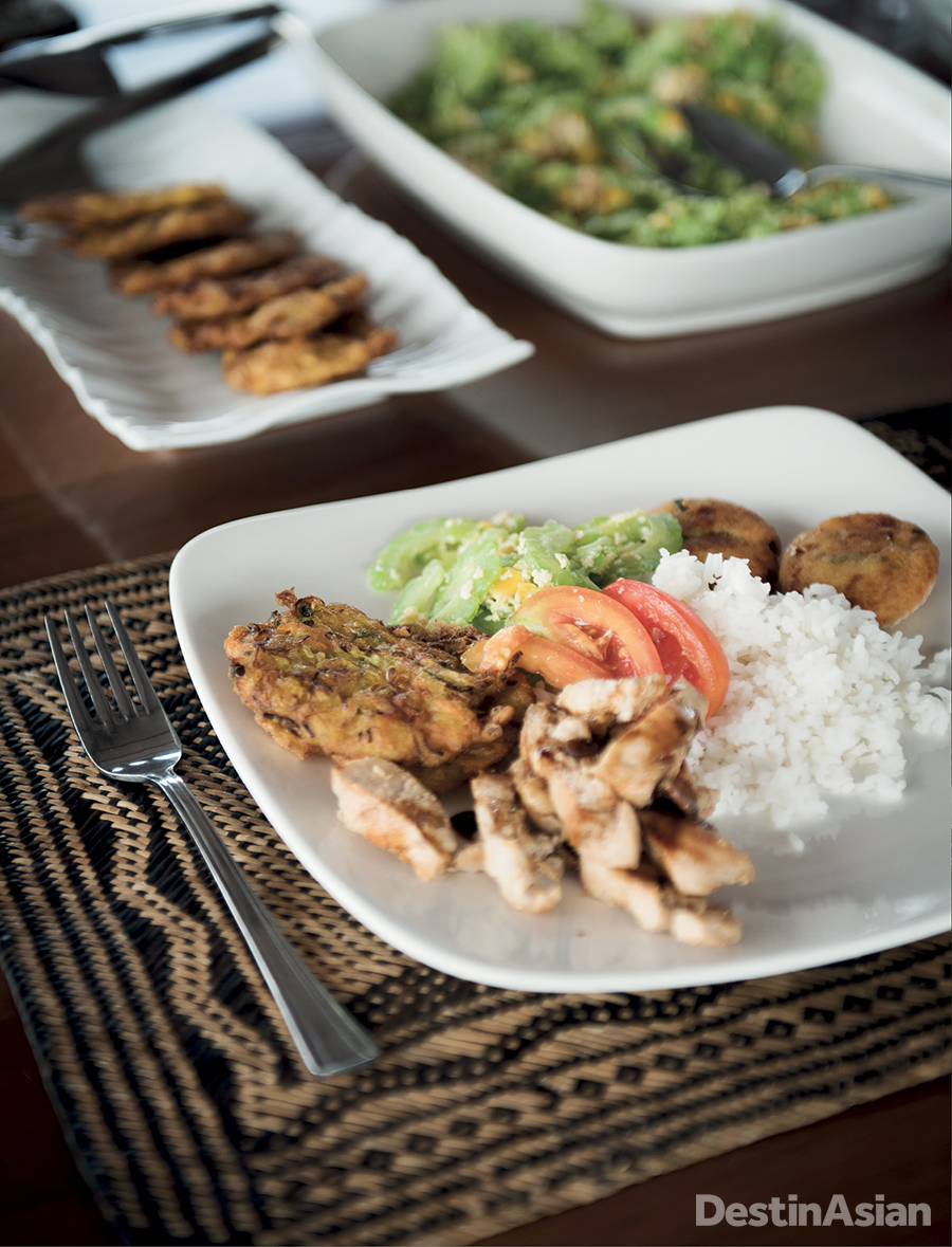 An Indonesian lunch aboard the boat.