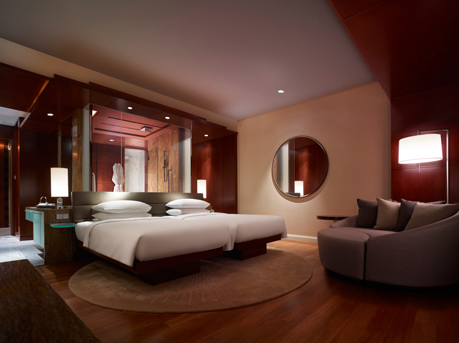 The Grand Club Twin is a spacious 47-square-meter room.
