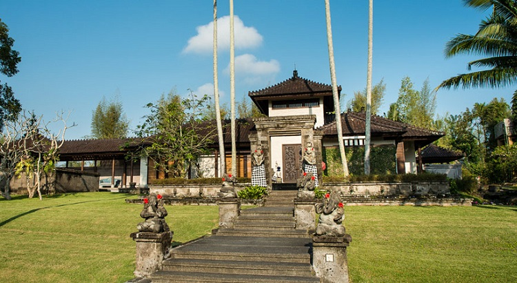 The Chedi Club Tanah Gajah is the former estate of Hendra Hadiprana, the famed Indonesian architect and art collector.