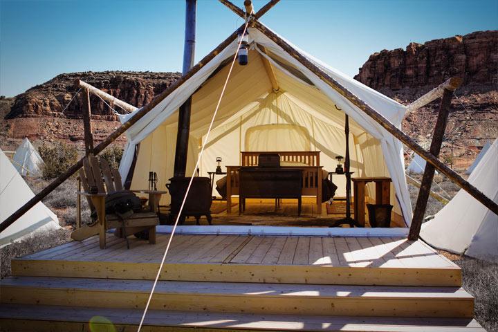 A Deluxe Safari Tent.