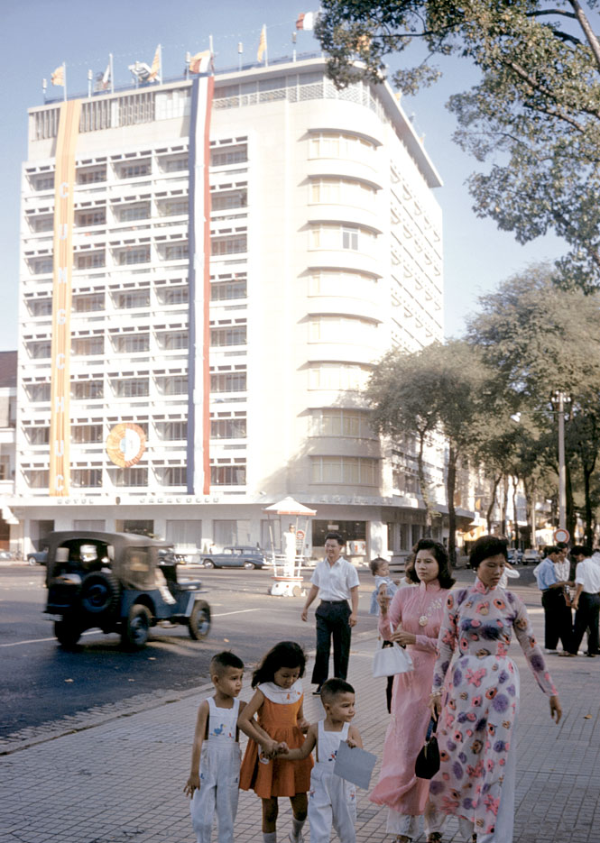 The Caravelle in 1961, back when it was the tallest and most modern building in Vietnam.