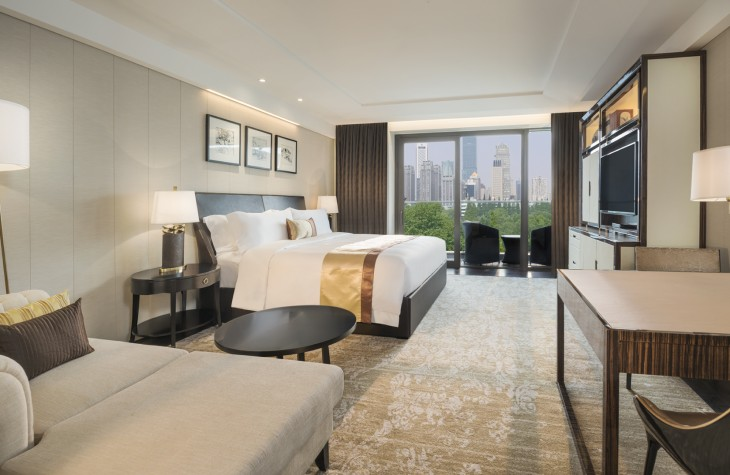 The Superior Deluxe Room at The Grand Mansion features a view of the city.