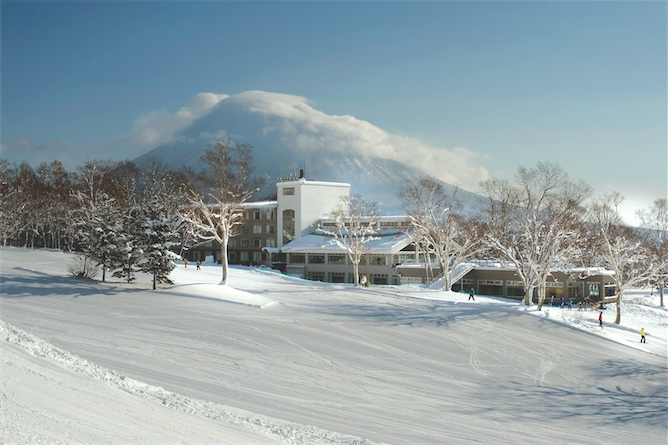 Skiing Asia: a Green Leaf Niseko Village slope