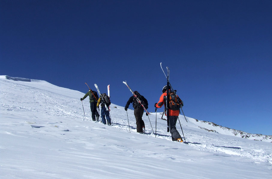 The world's highest ski lift, the Gulmarg Gondola, is just a short walk away from the resort.