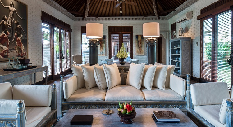 The living and dining area where guests can enjoy Hendra Hadiprana's private art collection .
