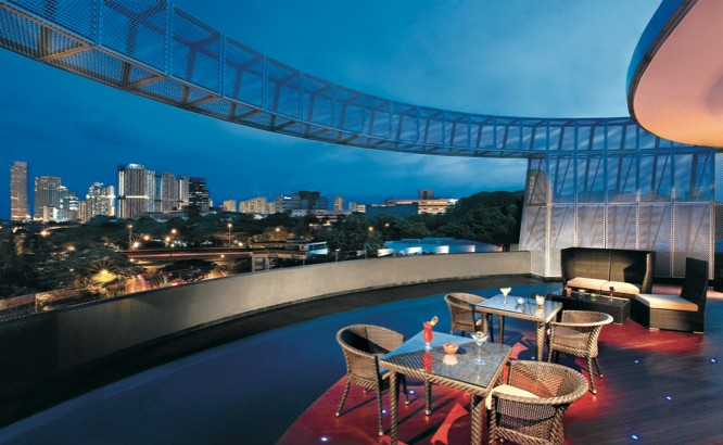 Halo Bar at Wangz Hotel in Singapore