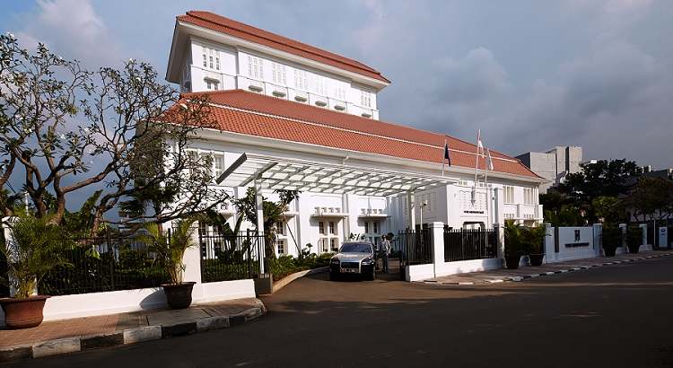 The Hermitage Menteng Jakarta occupies an Art Deco building built in 1923.