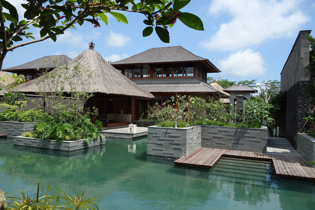 Traditional-style villas at Hoshinoya Bali.