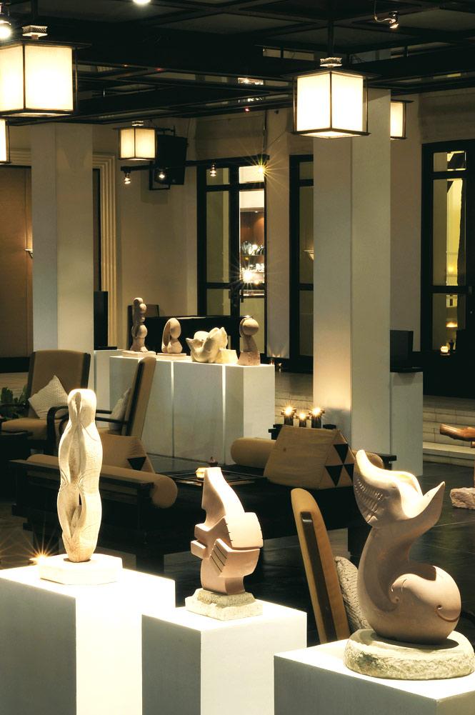 A recent exhibition at Hôtel de la Paix's Arts Lounge.