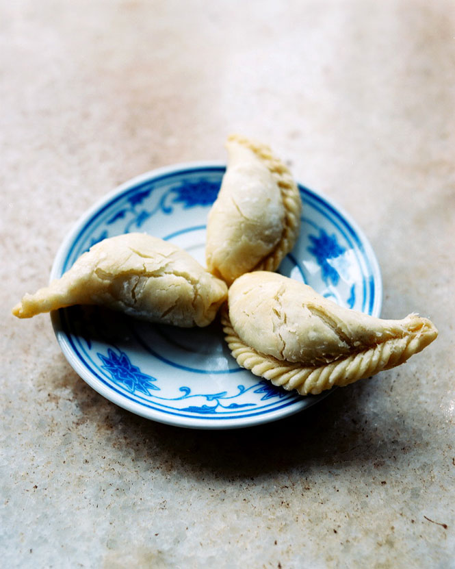 Shanghainese dumplings star on the menu at the Hu Xin Ting teahouse.