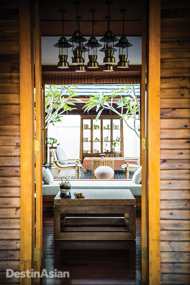 The reception area at the Anantara's spa.