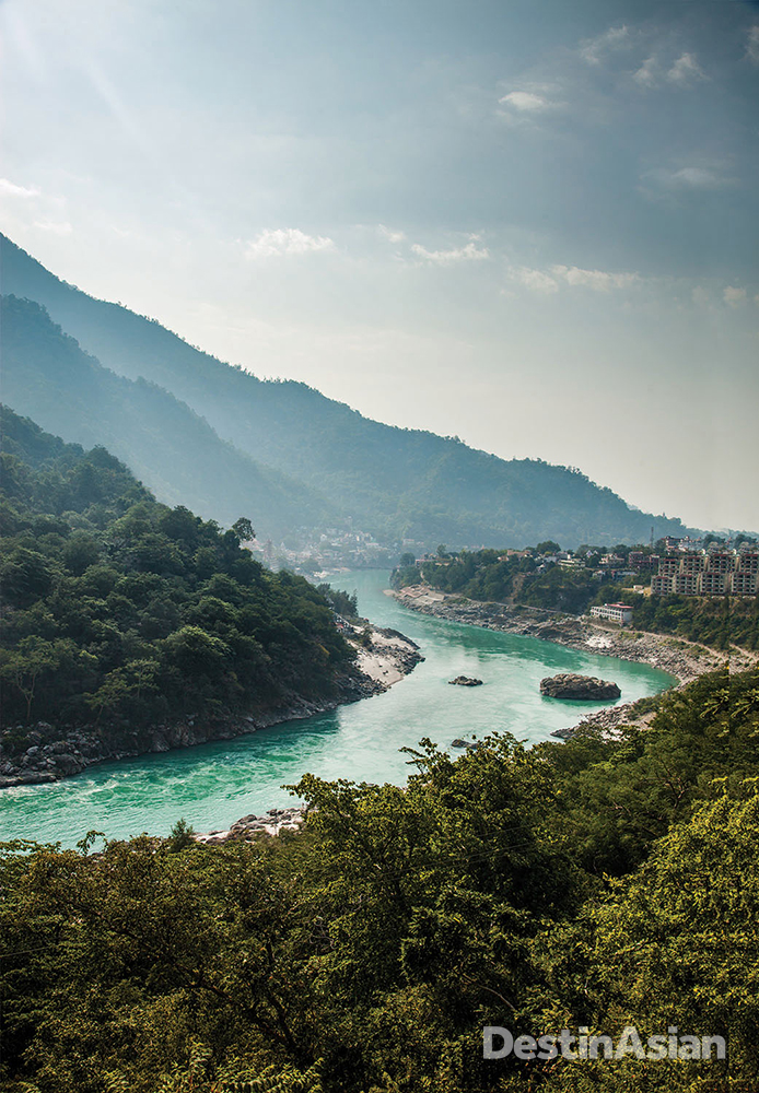A bend in the Ganges as it flows past the town of Tapoyan, eight kilometers upstream from Rishikesh.