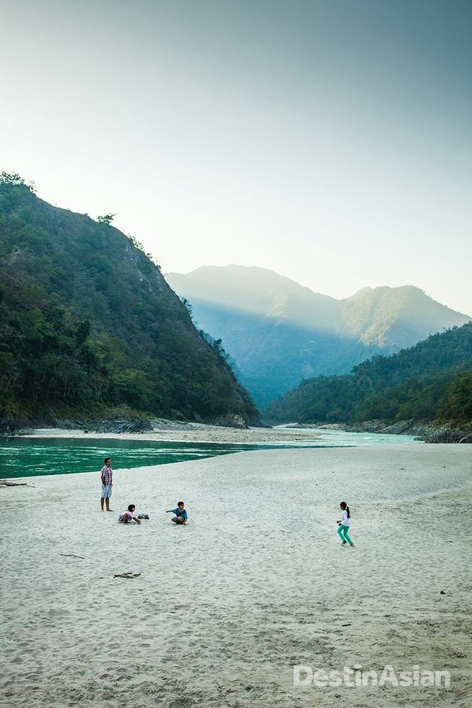A beach along the Kaudiyala-Rishikesh stretch of the Ganges.