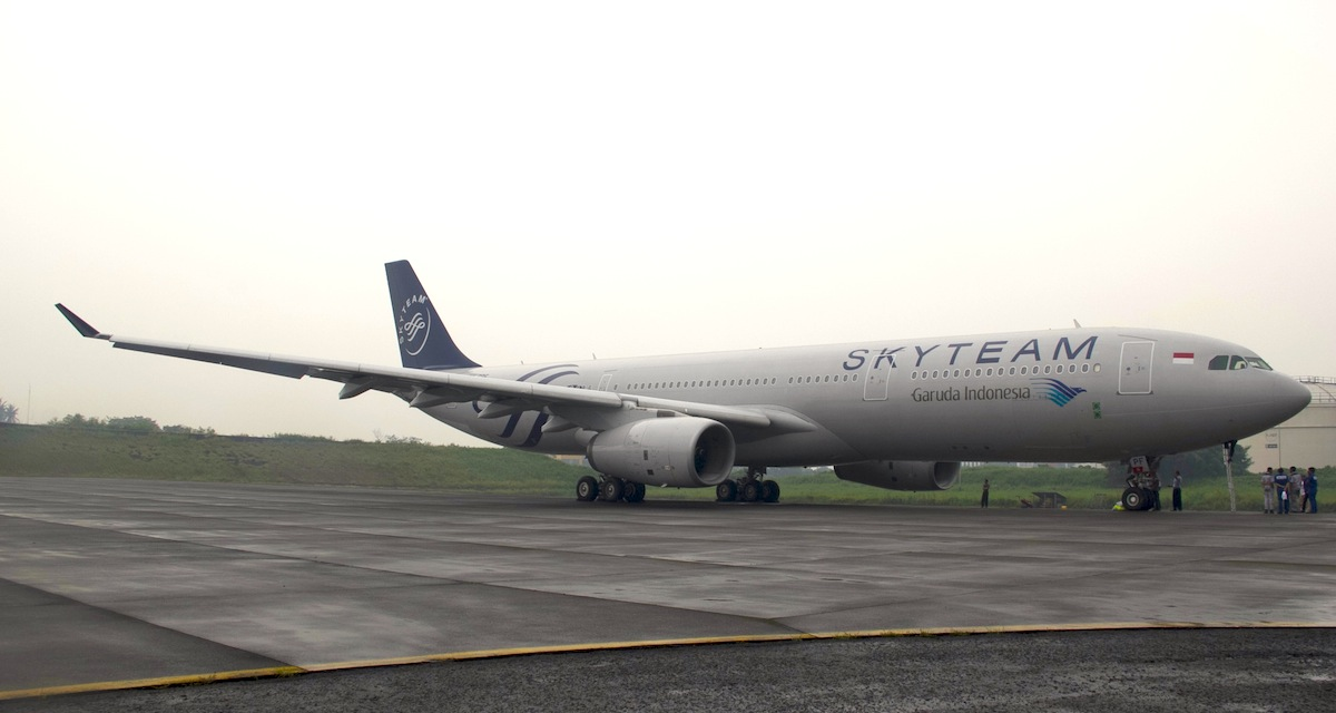 A Garuda plane dressed in official SkyTeam livery.