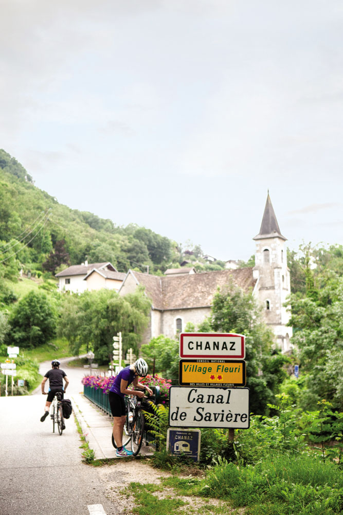 Entering the village of Chanaz, at the north end of Lac du Bourget.