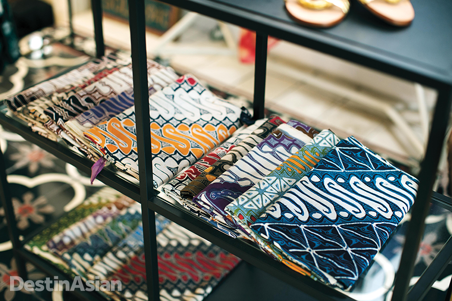 Purana's batik fabrics are specially designed and hand-dyed with traditional Javanese techniques.