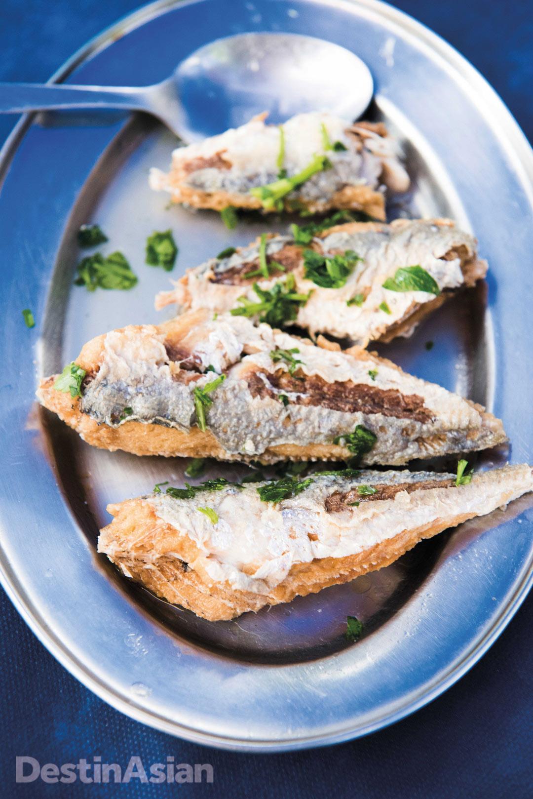 Fried marinated anchovies at Acquapazza.