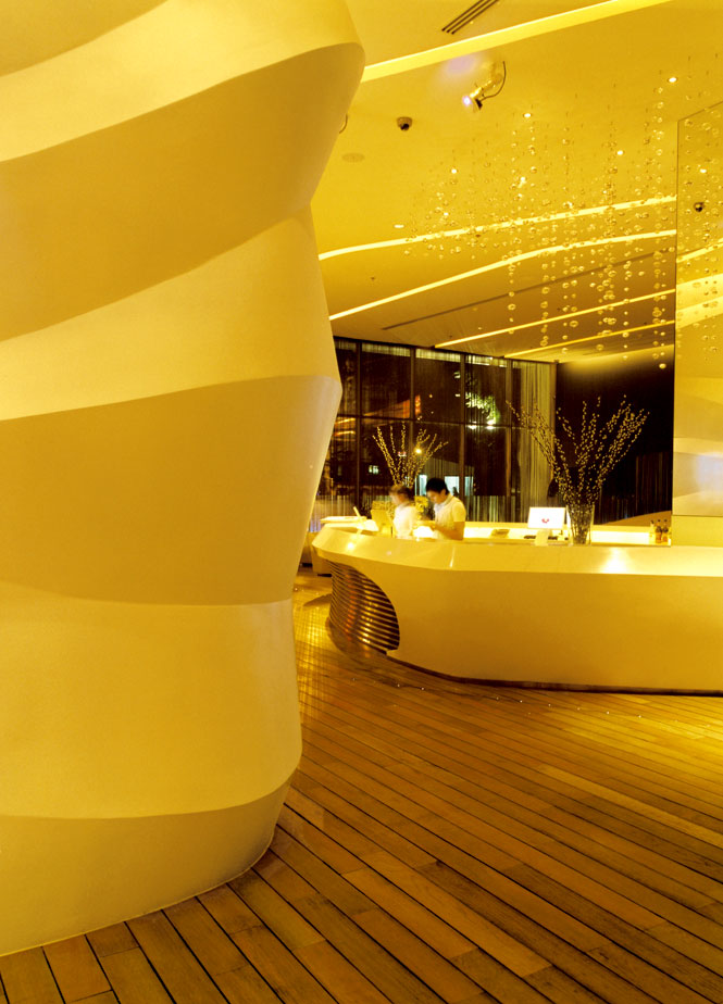 The lobby at the new Dusit D2 Baraquda.
