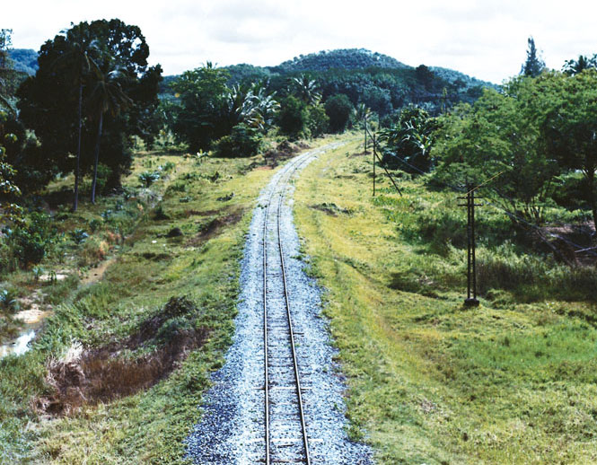 The rail spur to Kantang.