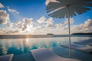 The infinity pool, the best spot to enjoy sunset.