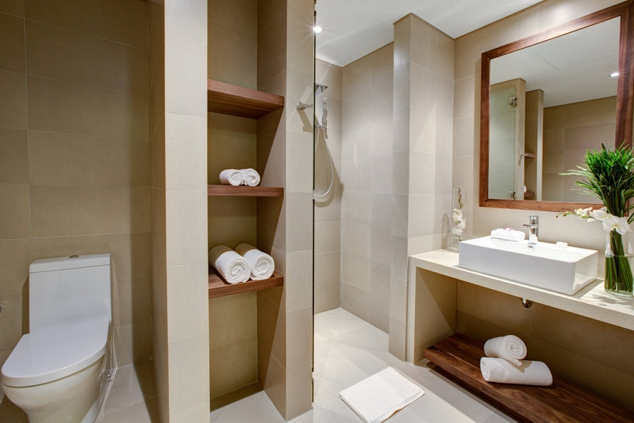 A spacious bathroom in one of the 202 rooms.