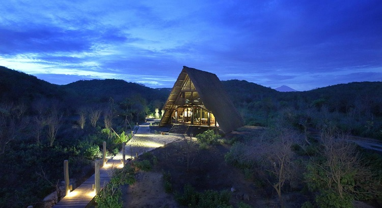 Located in a remote part of Lombok, there is little to no phone reception on the resort.