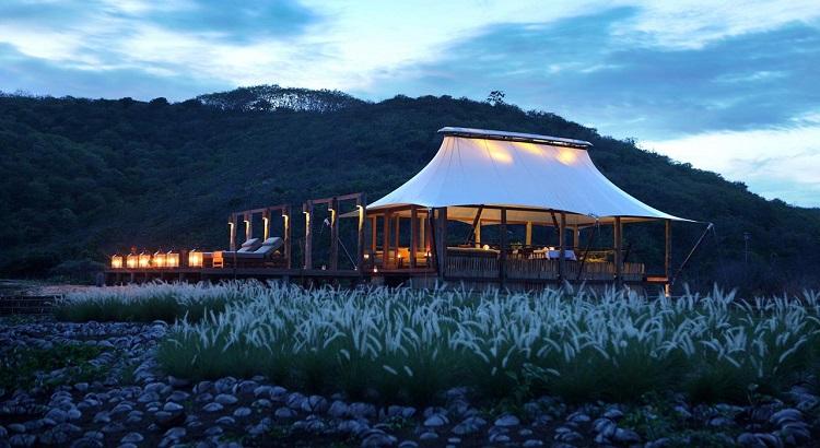 The tented Tenda Restaurant at Jeeva Beloam.