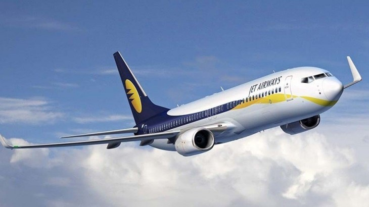 Jet Airways Boeing 737 in clear skies