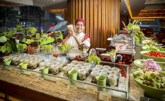Kowloon Shangri-La, Hong Kong sources produce from an organic-certified local farm.