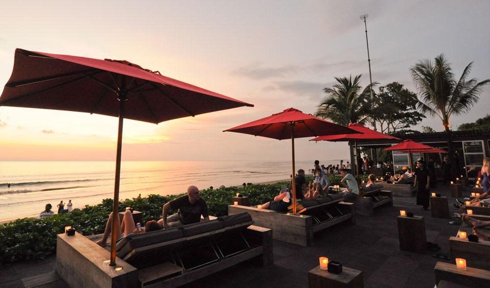 Sunset at Ku De Ta.