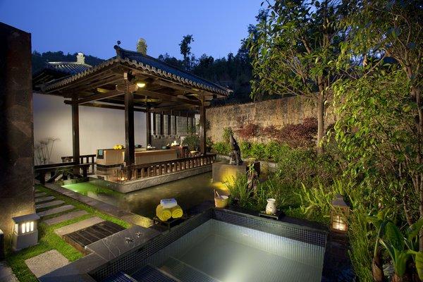 The villa guest room.