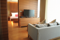 Sentosa resorts: the Movenpick's executive suite.