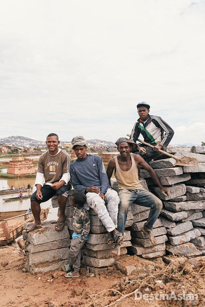 Construction workers in Anatananarivo.